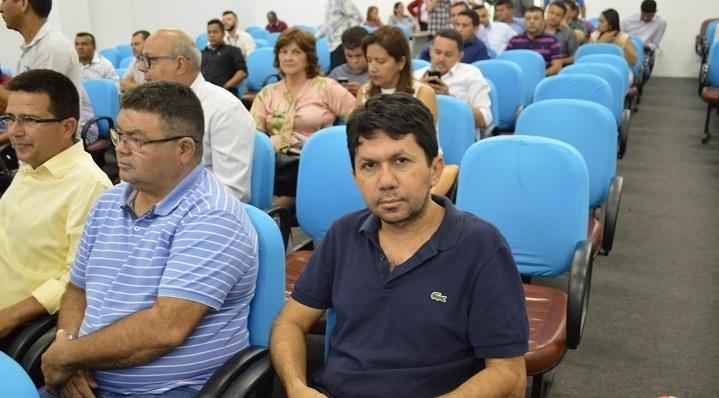 Prefeito Josemar participa de lançamento do programa Avançar Cidades em teresina